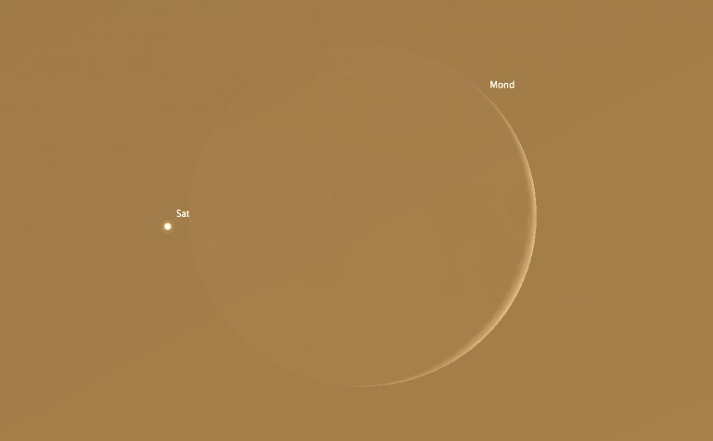 Simulierter Anblick um 18:10 Uhr MESZ, kurz vor der Bedeckung des Saturn durch den Mond in der hellen Abenddämmerung.