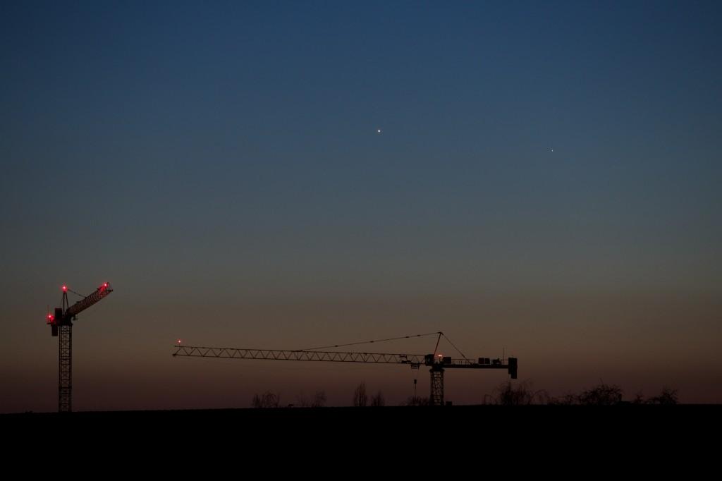 Venus (links) und Merkur am 17. Januar 2015 gegen  17:43 Uhr MEZ.