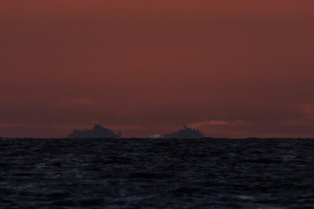 Eine Sekunde später, um 21:27:02 Uhr MESZ zeigt sich die letzte Spur des Grünen Strahls, danach ist die Sonne komplett untergegangen. (Bild: B. Knispel)