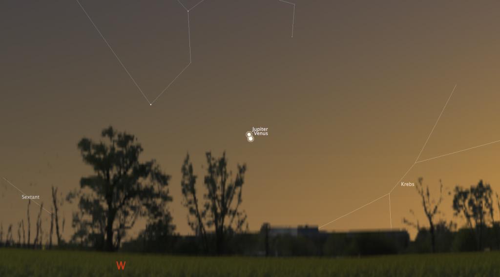 Simulierter Himmelsanblick am 30. Juni 2015 um 22:30 Uhr MESZ.