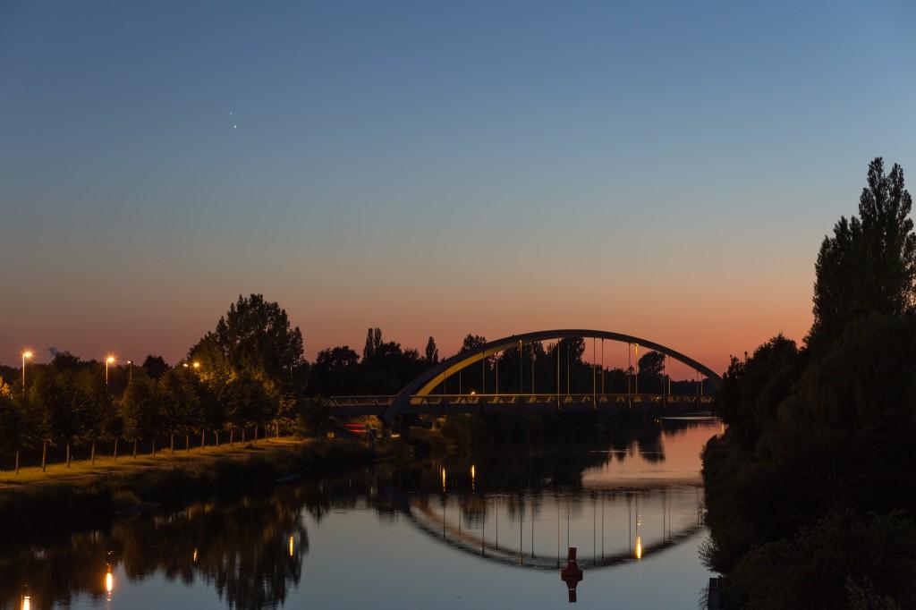 Venus und Jupiter am 30. Juni um 22:55 Uhr MESZ. (Bild: B. Knispel)