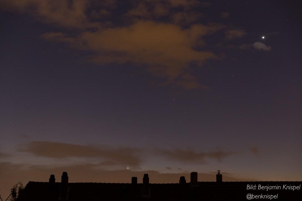 Venus, Mars (mit Regulus) und Jupiter am Morgenhimmel des 23. September über Hannover. (Bild: B. Knispel)