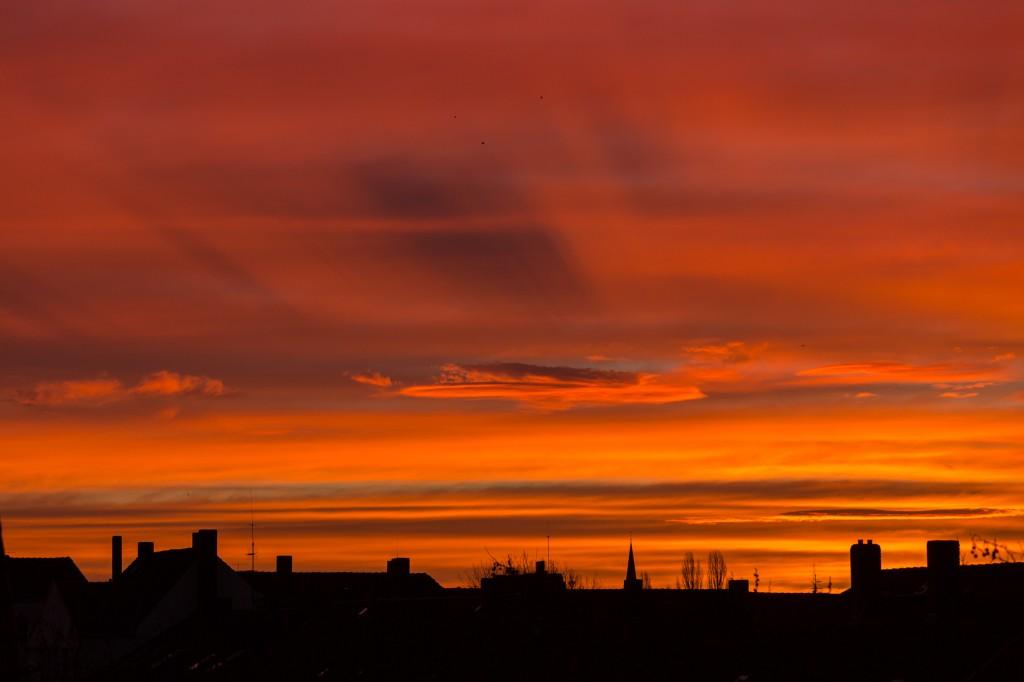 Wolkenschatten um 7:54 Uhr MEZ im Detail. (Bild: B. Knispel)