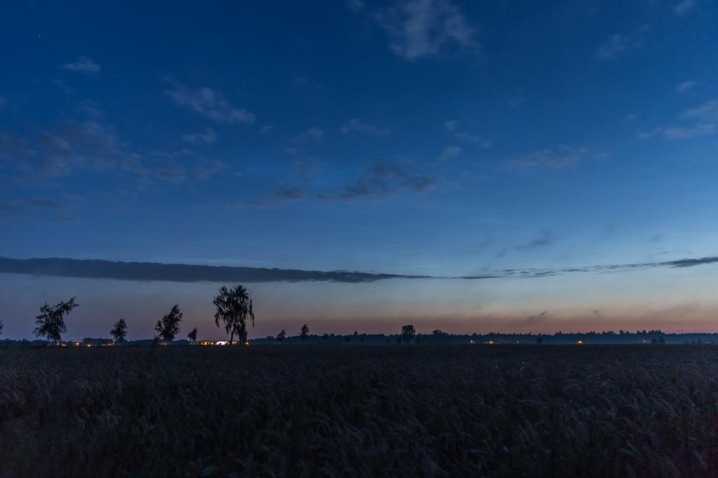 Um 3:43 Uhr MESZ stehen die höchsten sichtbaren Leuchtenden Nachtwolken bereits auf über 20°. (Bild: B. Knispel)