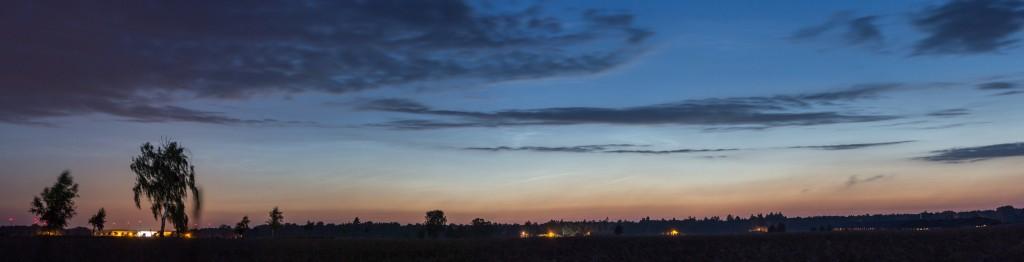 Leuchtenden Nachtwolken um 3:14 Uhr MESZ. (Bild: B.Knispel)