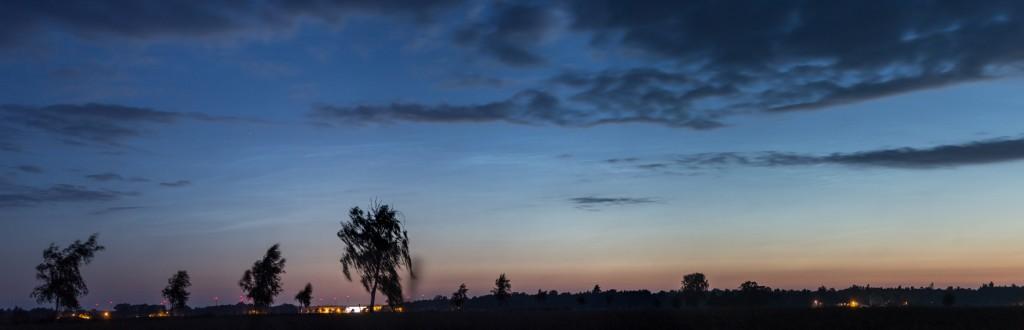Leuchtenden Nachtwolken um 3:29 Uhr MESZ. (Bild: B.Knispel)