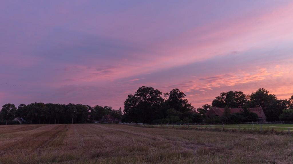 Schöne Wolkenschatten von der tief stehenden Sonne. (Bild: B. Knispel)