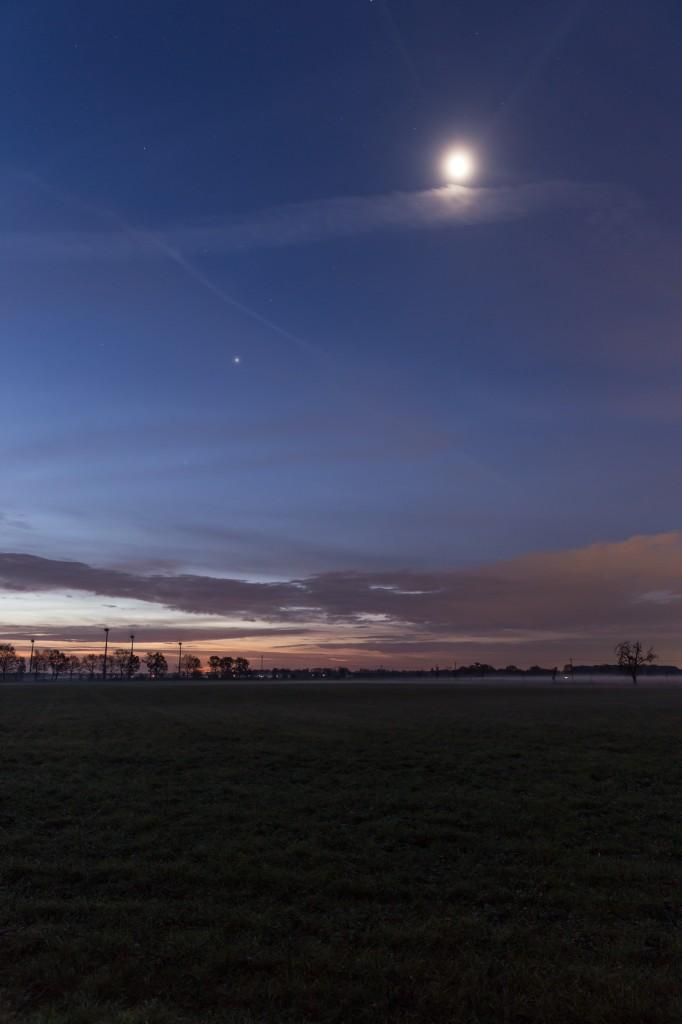 Mond und Jupiter am 23.11.2016 um 6:50 Uhr.