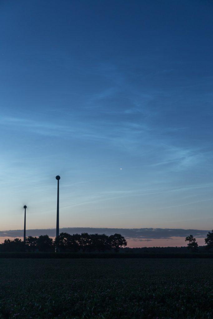 """Venus leuchtete als """"Morgenstern"""" am äußersten östlichen Rand des NLC-Felds, Anblick um 3:42 Uhr MESZ. (Bild: B. Knispel)"""
